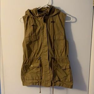 Utility Vest with hood
